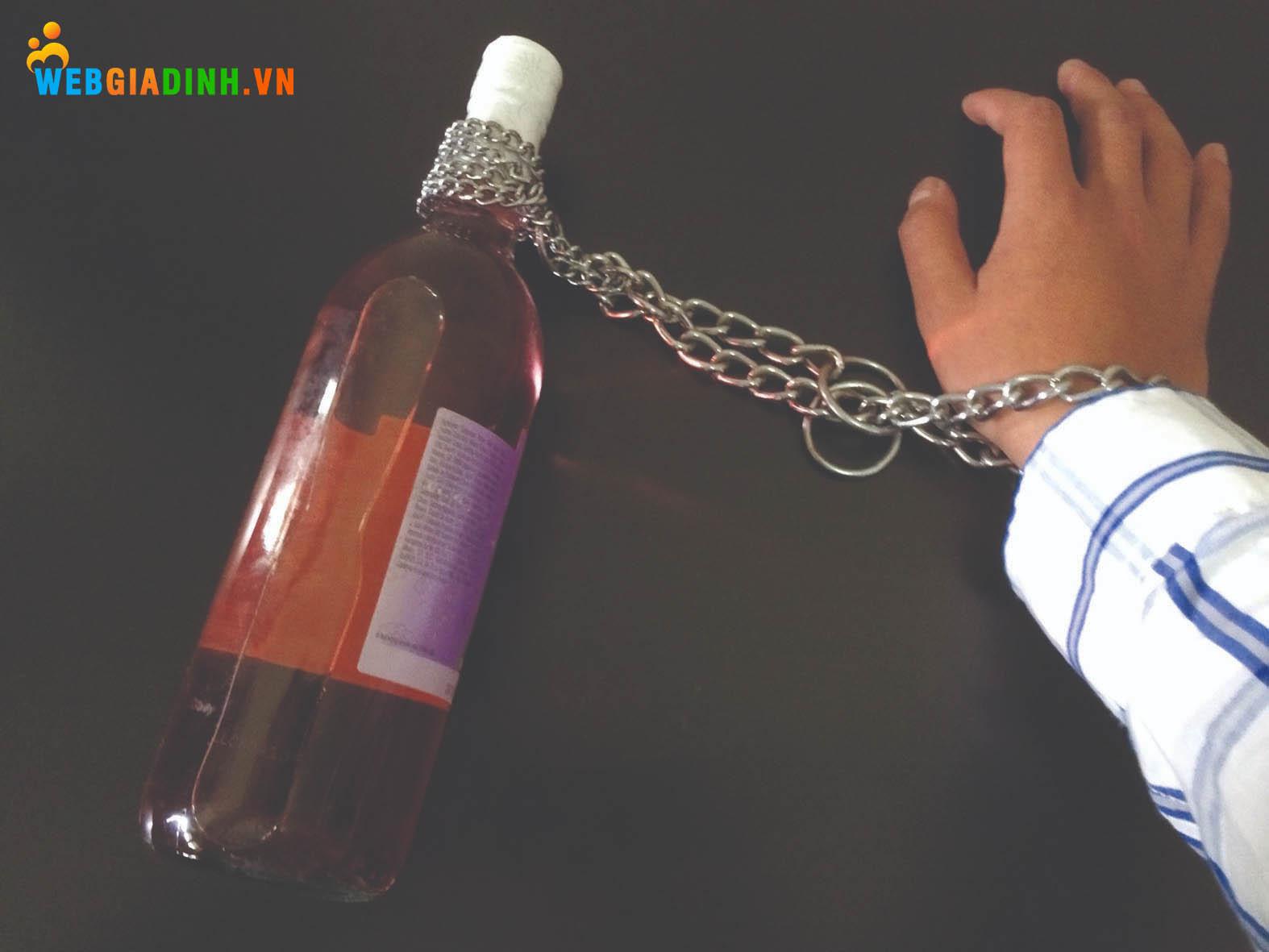 Dạy con tránh xa rượu bia