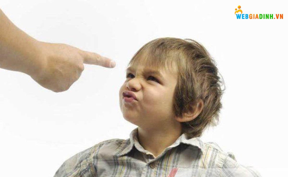 Cách dạy trẻ ngỗ nghịch