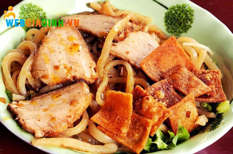 cao lầu- ẩm thực miền Trung