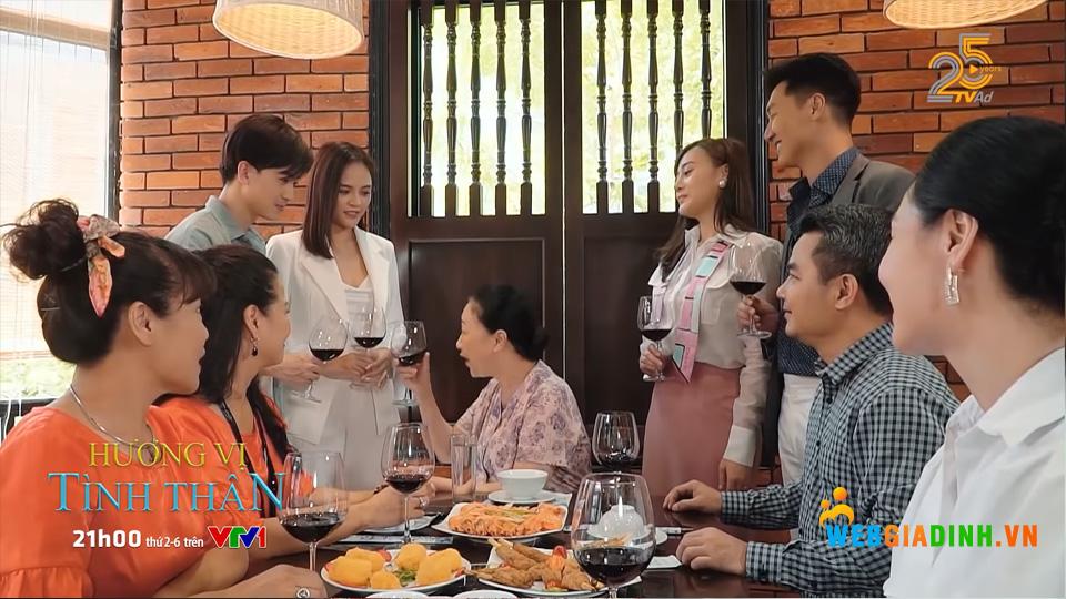 Khung cảnh vui vẻ của đại gia đình sau đám cưới của Nam và Long!