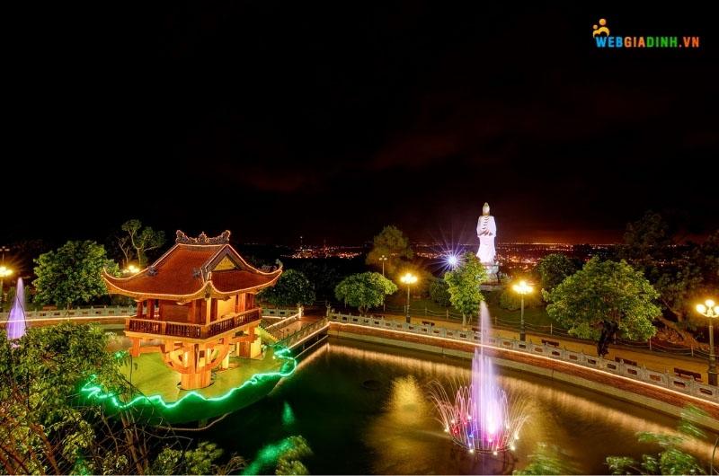 địa điểm du lịch tâm linh chùa Ba Vàng