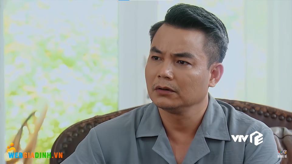 Ông Khang tỏ ra không hài lòng khi biết chuyện.