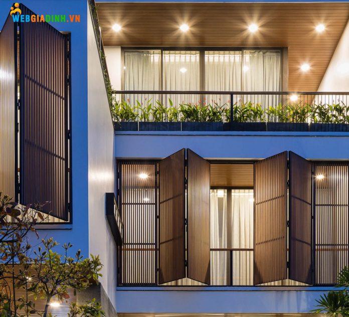 Ban công giúp tạo không gian xanh cho ngôi nhà