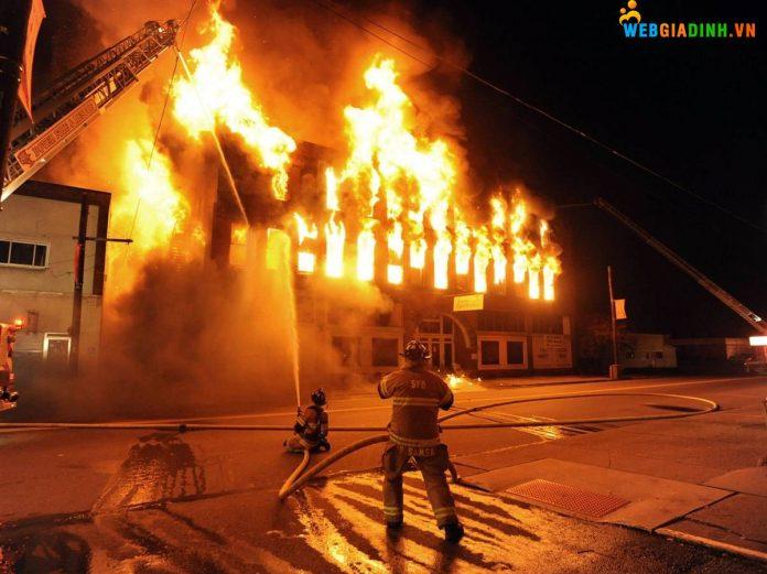 Nằm mơ thấy cháy nhà nhưng được dập tắt