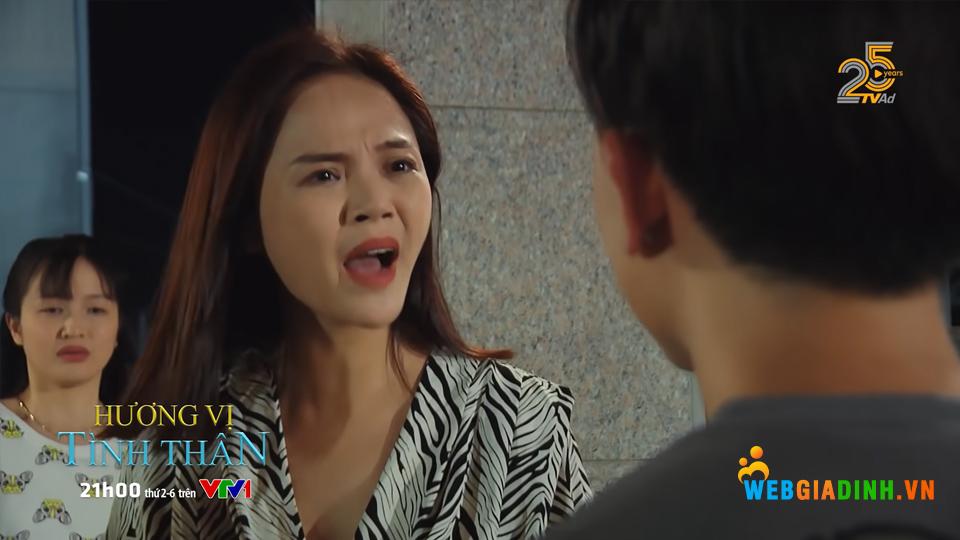 Thy nổi điên khi Huy gặp rắc rối vì bảo vệ cô nhân viên.