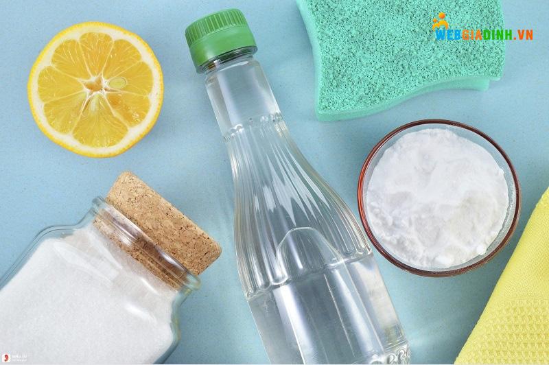 Baking soda và chanh hoặc giấm là sự kết hợp hoàn hảo giúp giặt sạch quần áo!